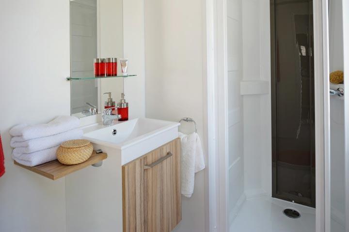 salle-de-bain-mobil-home-2-chambres-confort