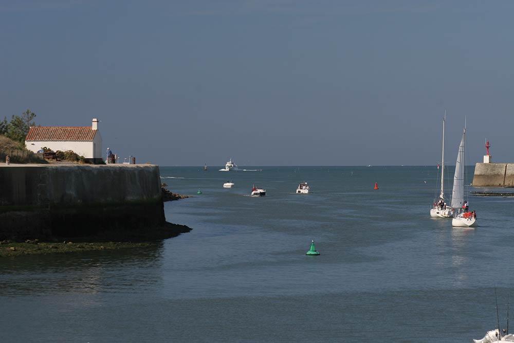 Saint Gilles Croix de Vie - entrée du port