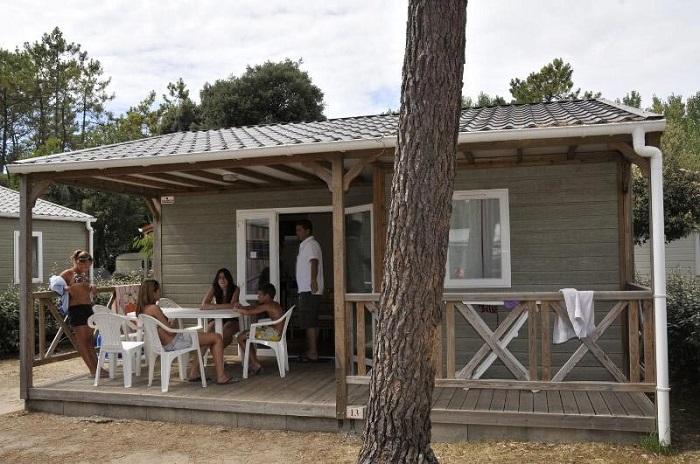 mobil-home avec terrasse en Vendée